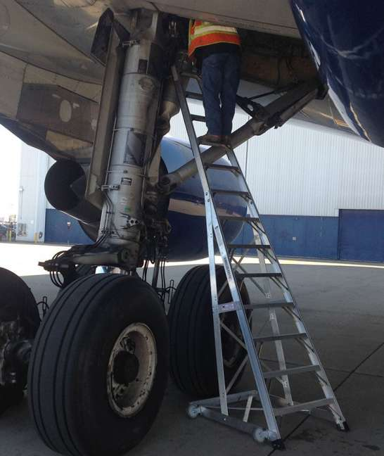 13' Gear & Wheel Well Cadet Ladder with technician servicing Airbus A330